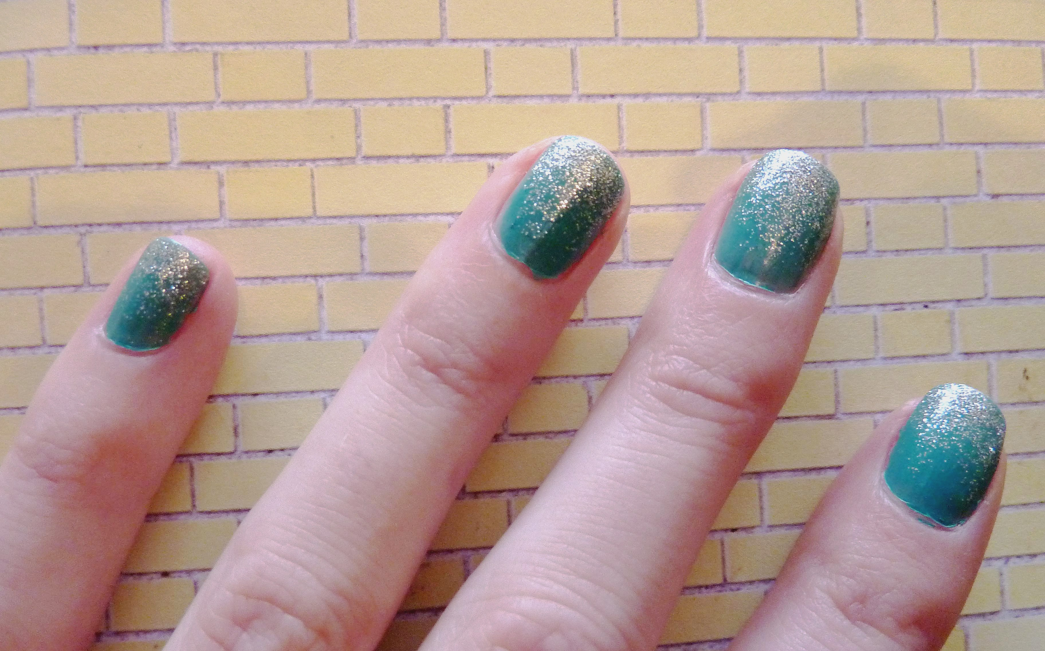 Nail art green glitter gradient style influence a prinsesfo Gallery